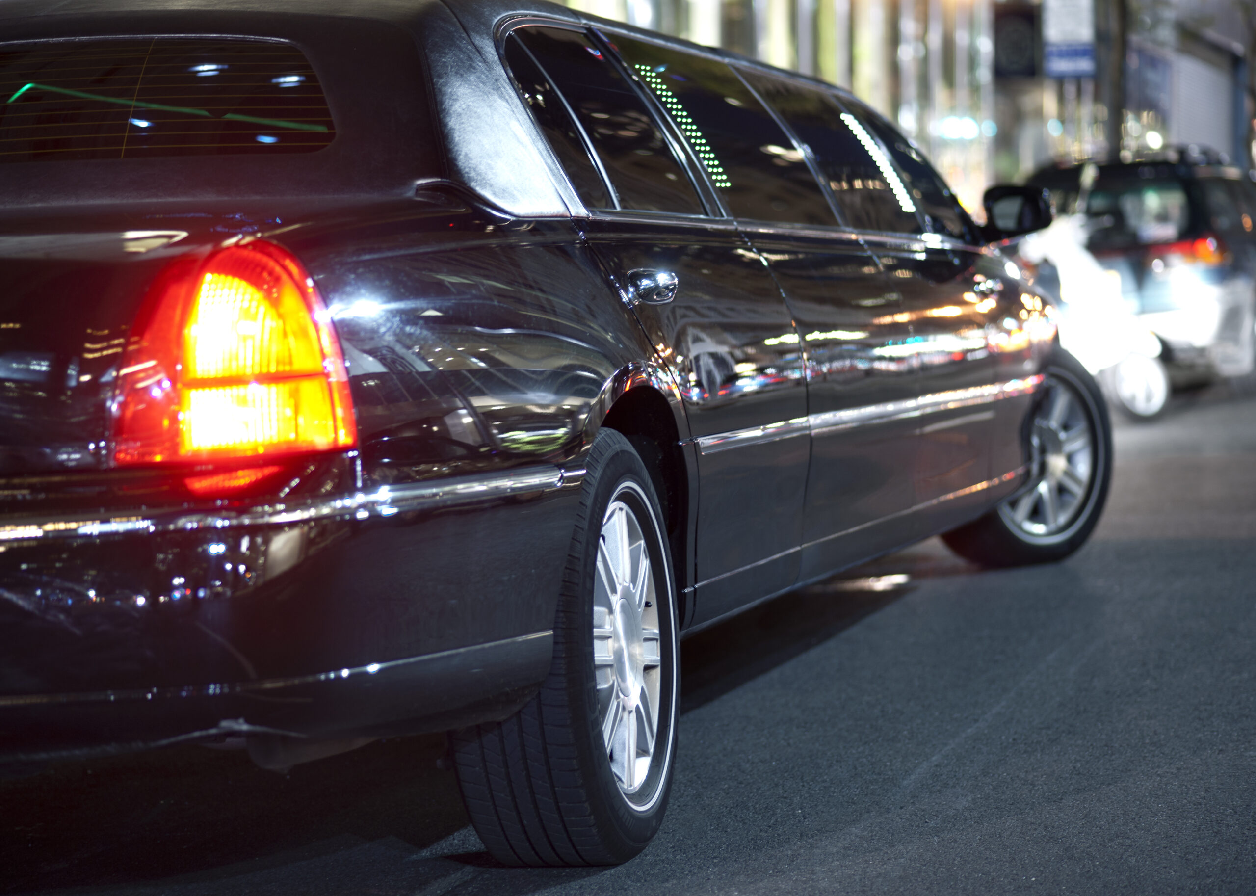 7 Myths People Believe About Limousine Rental Companies