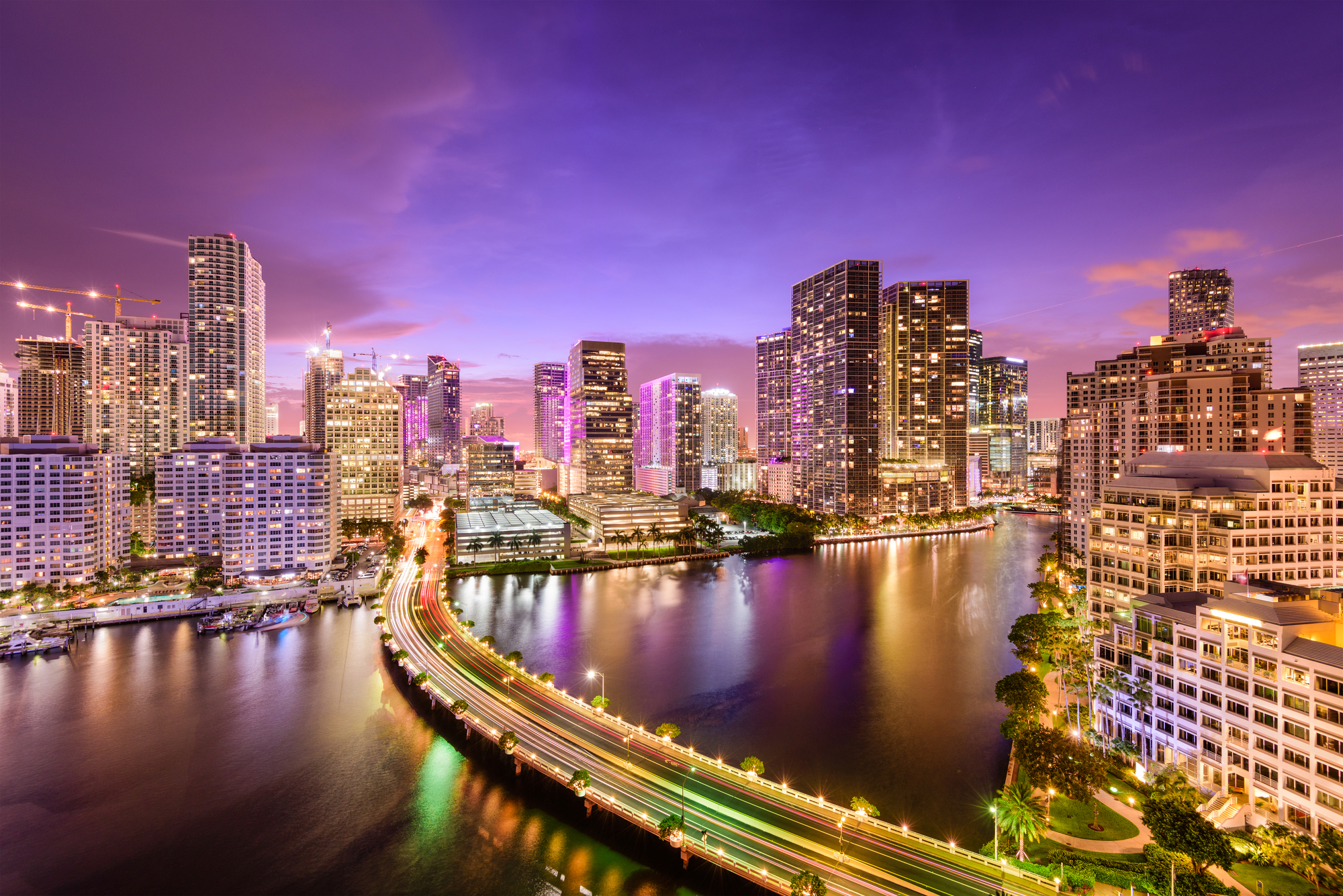 What to Expect When Hiring Our South Florida Luxury Transportation Company